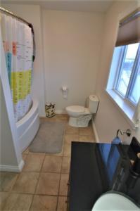 4pc Bathroom- Upper Level
