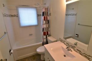 4 pc Bath- Main Floor