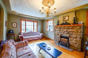 8132 Living Room