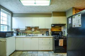 8132 Kitchen