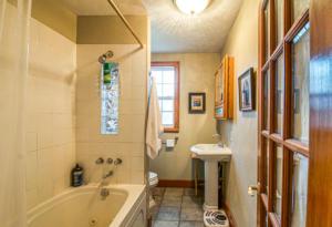 8132 Main Bathroom
