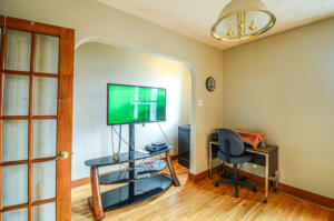 Master Bedroom / Media Room